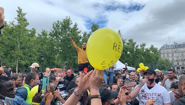 Des manifestations de soignants et de Gilets jaunes se tiennent à Paris le jour de la Fête nationale du 14 juillet - Sputnik France
