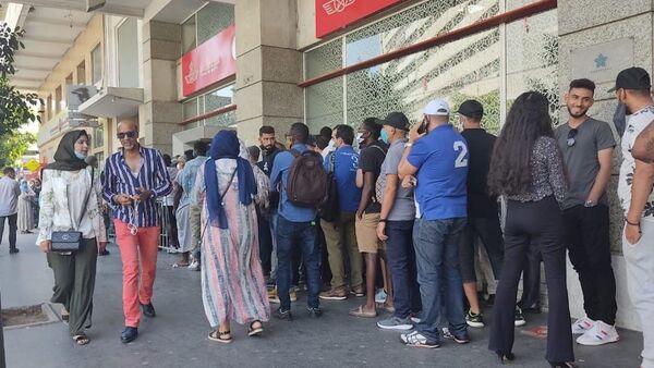 Les files d'attente s'allongent devant l'agence Royal Air Maroc de Casablanca - Sputnik France