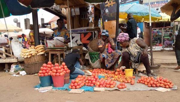 Marthe Nsa'a, revendeuse de tomates au marché Mokolo. - Sputnik France