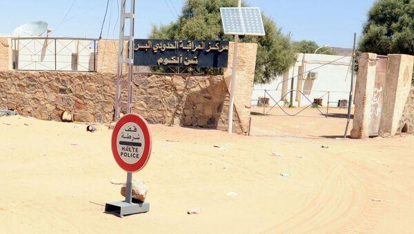 Poste frontière de Tinalkoum, entre la Libye et l'Algérie. - Sputnik France