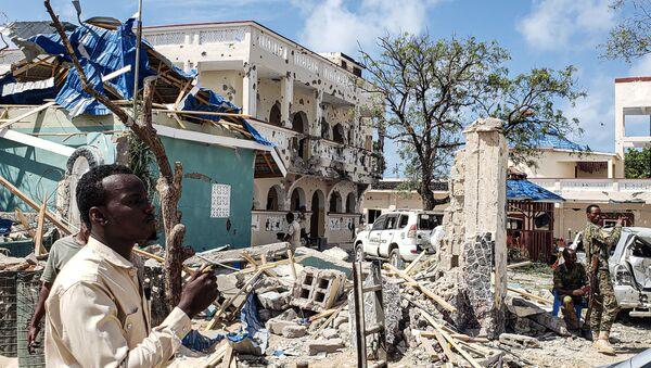 Des décombres après une explosion revendiquée par les Shebabs, en Somalie. - Sputnik France