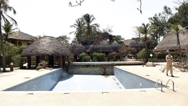 La piscine vide d'un hôtel déserté pour cause de Covid à Saly, au Sénégal. - Sputnik France
