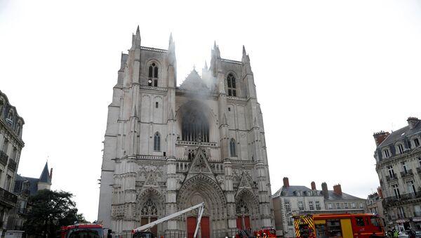 Incendie dans la cathédrale de Nantes - Sputnik France
