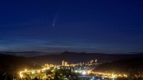 La comète Neowise au-dessus de la Hongrie - Sputnik France