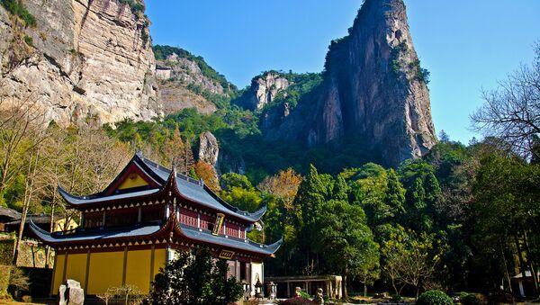 Un temple dans les montagnes de Yandang, dans la province chinoise de Zhejiang (archive photo) - Sputnik France