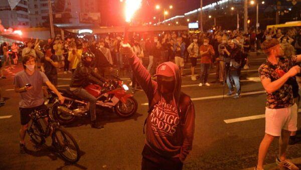 Des manifestants à Minsk, Biélorussie - Sputnik France