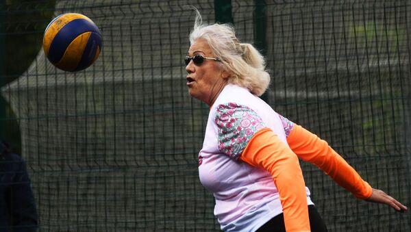 Une retraitée fait du sport - Sputnik France
