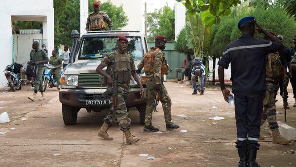 Des soldats maliens à la base militaire de Kati, au Mali, le 19 août 2020. - Sputnik France