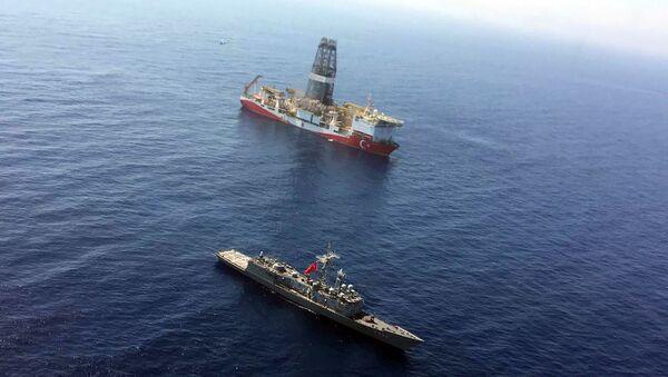 Le navire de forage turc Fatih (archive photo) - Sputnik France