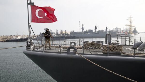 Un navire de la Marine turque dans un port de la mer Noire (archive photo) - Sputnik France