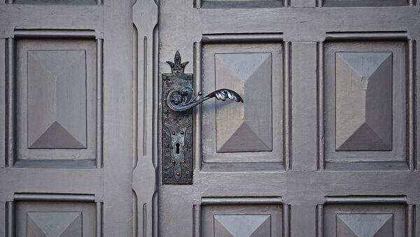 Une porte fermée - Sputnik France
