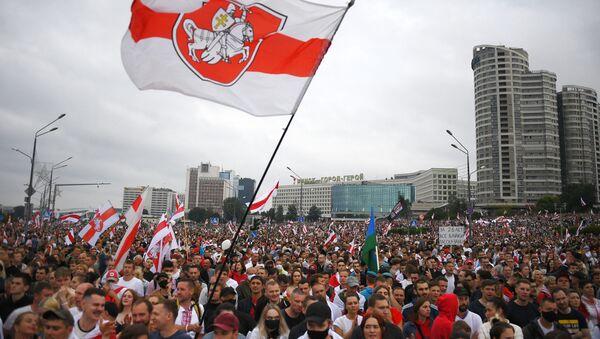 Une manifestation contre les résultats de la présidentielle biélorusse à Minsk, 23 août 2020 - Sputnik France