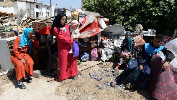 Une famille marocaine sans logement - Sputnik France