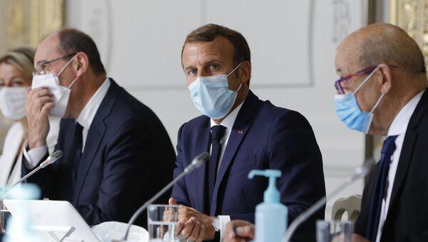 Jean Castex, Emmanuel Macron et Jean-Yves le Drian, Palais de l'Élysée, 26 août 2020 - Sputnik France