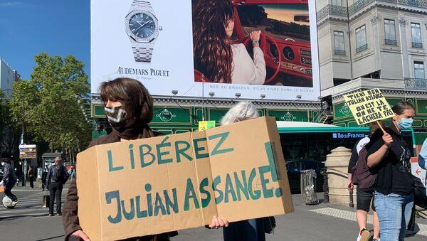 Une manifestation en soutien à Julian Assange se tient à Paris, le 7 septembre 2020 - Sputnik France