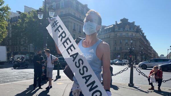 Une manifestation en soutien à Julian Assange à Paris, le 7 septembre 2020 - Sputnik France