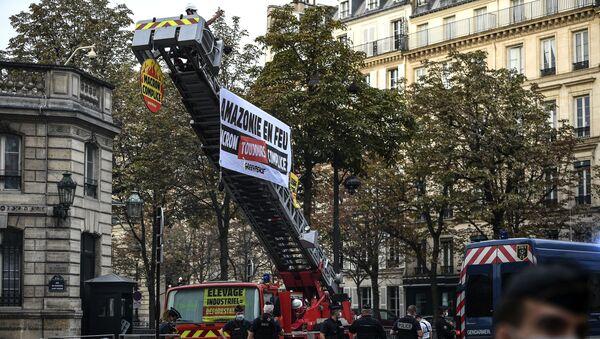Action de Greepeace devant le palais de l'Elysée - Sputnik France