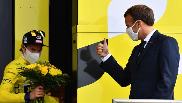Macron en visite sur le Tour de France - Sputnik France