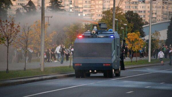 Canon à eau à Minsk, le 23 septembre - Sputnik France