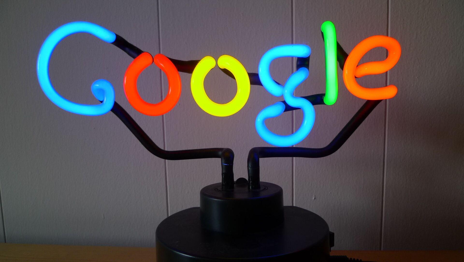 Google Neon - Sputnik France, 1920, 13.03.2021