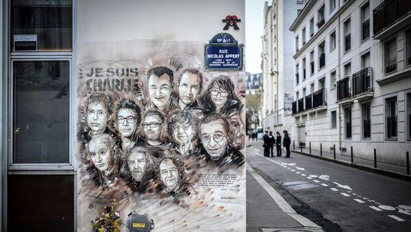 Hommage aux membres de Charlie Hebdo - Sputnik France