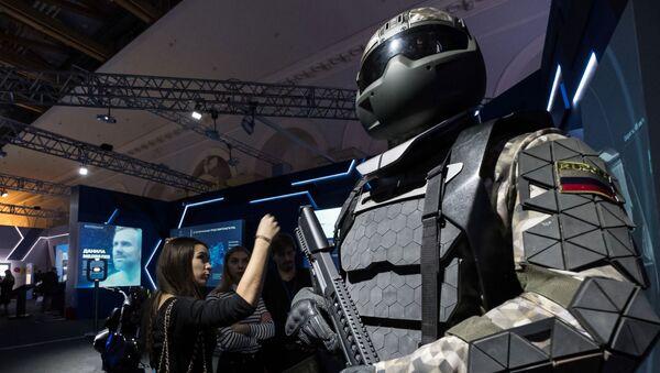 exosquelette militaire élaboré par Rostech - Sputnik France