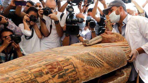 En Égypte, 59 sarcophages avec des momies ont été mis au jour   - Sputnik France