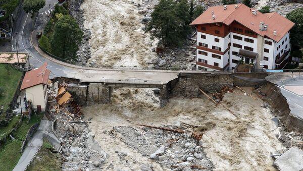 Les conséquences des graves inondations en France et en Italie   - Sputnik France
