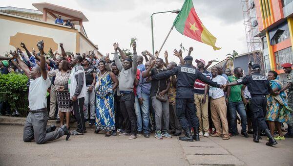 Des partisans de Maurice Kamto dans la rue, Cameroun - Sputnik France