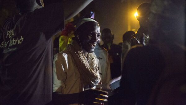 Les maliens fêtent la libération de Soumaïla Cisse - Sputnik France