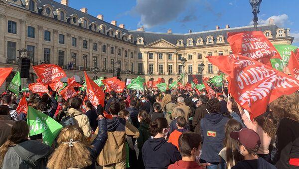 Nouvelle mobilisation contre le projet de loi de bioéthique à Paris, le 10 octobre 2020 - Sputnik France