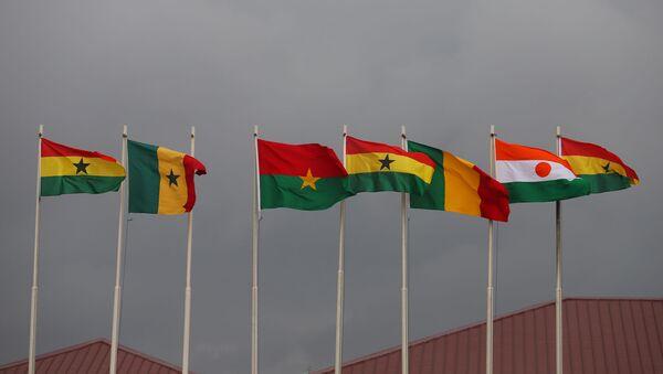 Les drapeaux des pays-membres de la CEDEAO - Sputnik France