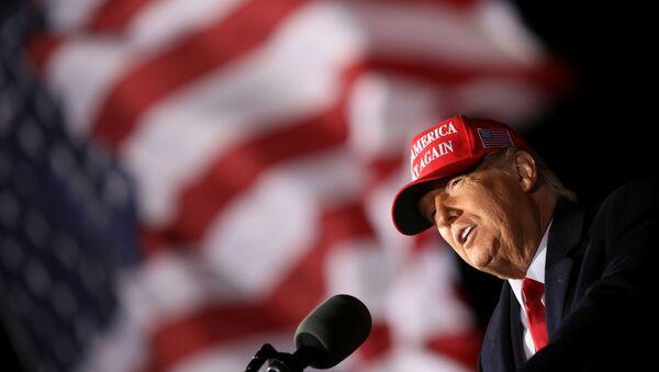 Donald Trump lors d'un meeting de campagne à Janesville, dans le Wisconsin, 17 octobre 2020 - Sputnik France