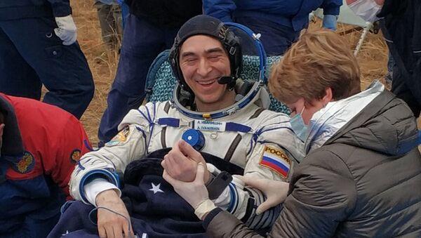 En orbite pendant 196 jours: l'équipage de l'ISS revient sur Terre  - Sputnik France