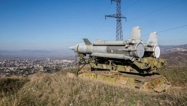 Un système sol-air Kroug installé à Stepanakert, capitale du Haut-Karabakh - Sputnik France