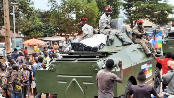 Une parade militaire à Bangui avec la participation de blindés russes, 15 Octobre 2020 - Sputnik France