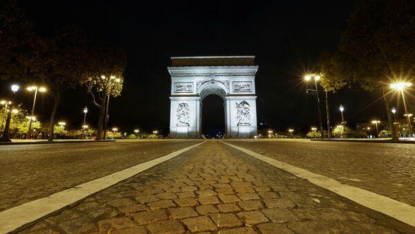 Les Champs-Élysées en période de Covid-19 - Sputnik France