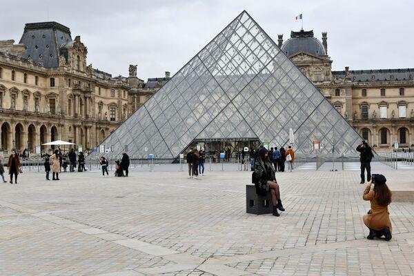 Reconfinement en France: ce que l'on peut faire et ce que l'on ne peut pas faire    - Sputnik France