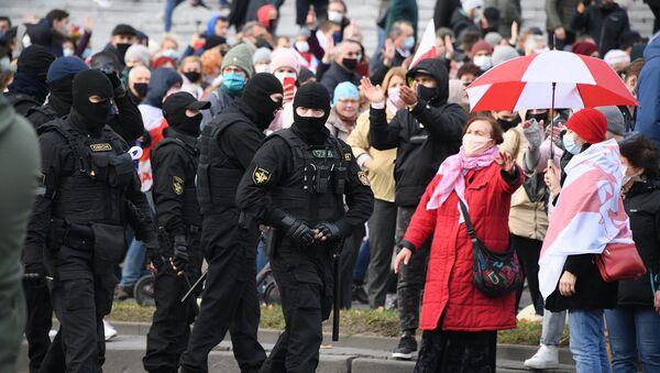 Marche d'opposition à Minsk, le 1er novembre 2020 - Sputnik France