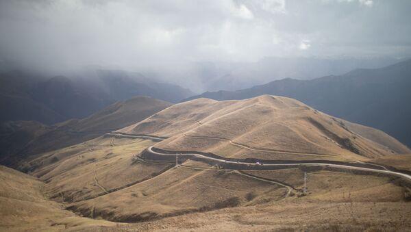 Le couloir Kelbajar, une route reliant Stepanakert, la République autoproclamée du Haut-Karabakh, à Erevan, en Arménie - Sputnik France