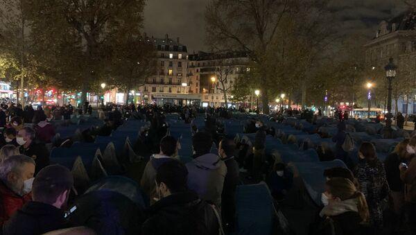 Installation d'un camp de migrants sur la place de la République, 23 novembre 2020 - Sputnik France