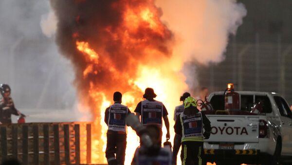 La monoplace de Romain Grosjean en feu après l'accident lors du Grand Prix de Bahreïn - Sputnik France