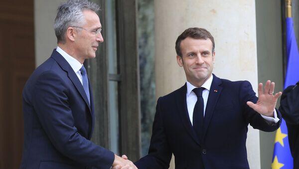 Jens Stoltenberg et Emmanuel Macron (archives) - Sputnik France