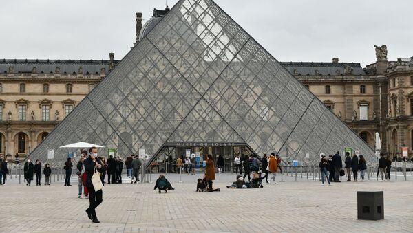 Paris, Louvre - Sputnik France