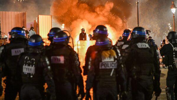 Forces de l'ordre lors d'une action contre la loi Sécurité globale à Paris, image d'illustration  - Sputnik France
