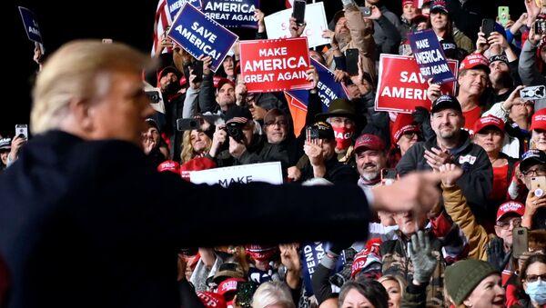 Donald Trump rencontre ses partisans dans l'État de Géorgie, le 5 décembre 2020 - Sputnik France