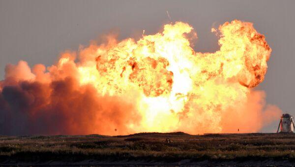 Une fusée de SpaceX explose, le 9 décembre 2020 - Sputnik France