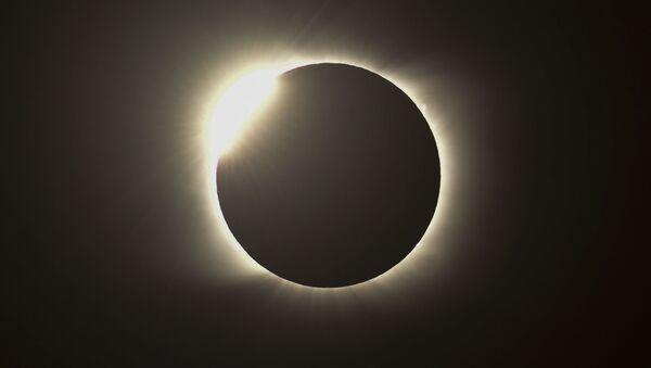 La dernière éclipse solaire totale de l'année 2020   - Sputnik France