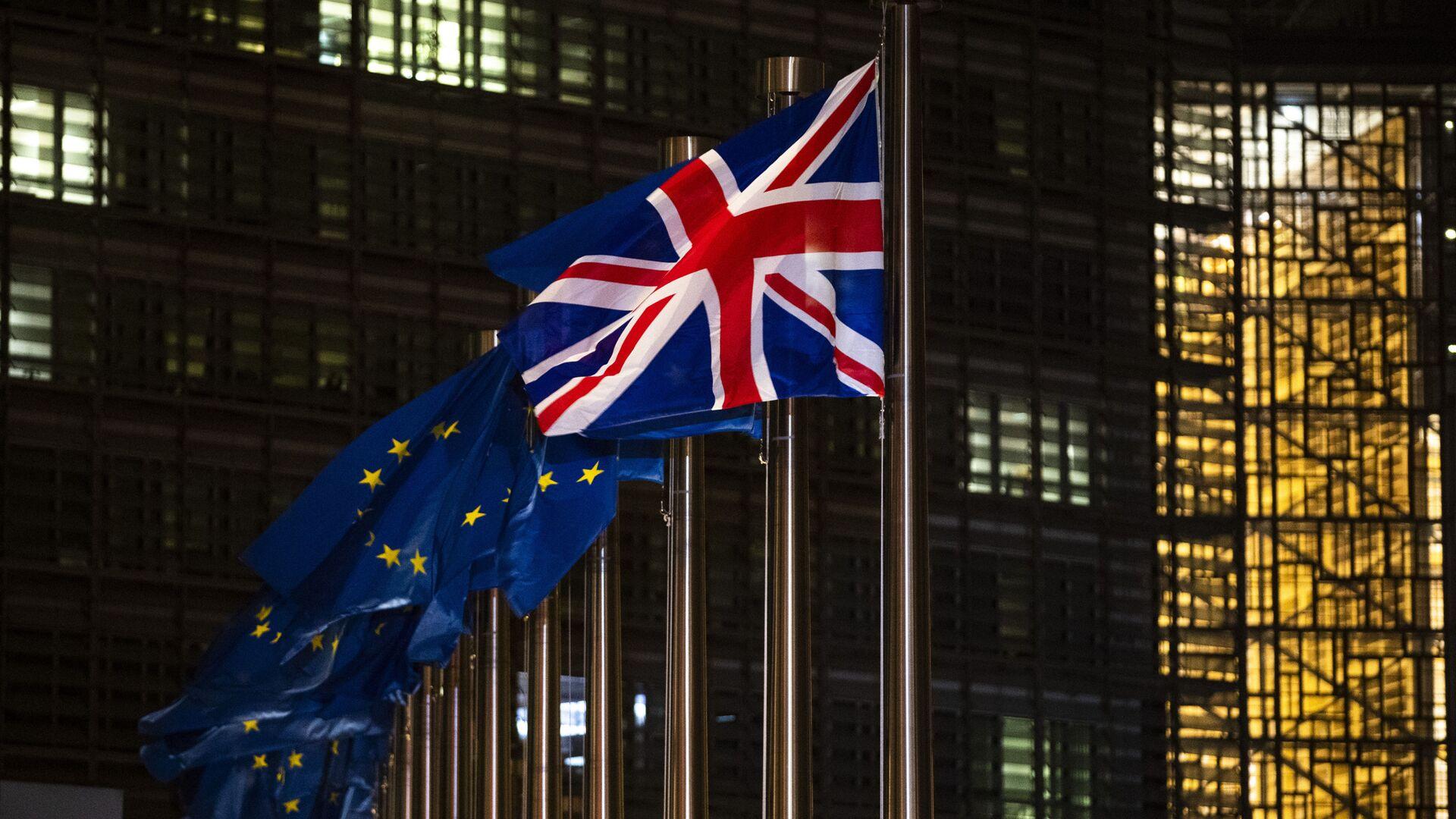 Les drapeaux de l'UE et du Royaume-Uni - Sputnik France, 1920, 29.06.2021