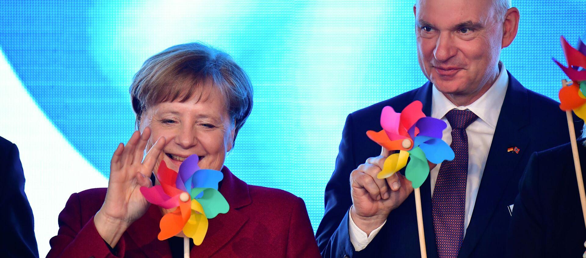 La Chancelière fédérale allemande Angela Merkel durant l'inauguration du parc éolien en mer «Arkona», le 16 avril 2019 - Sputnik France, 1920, 27.12.2020